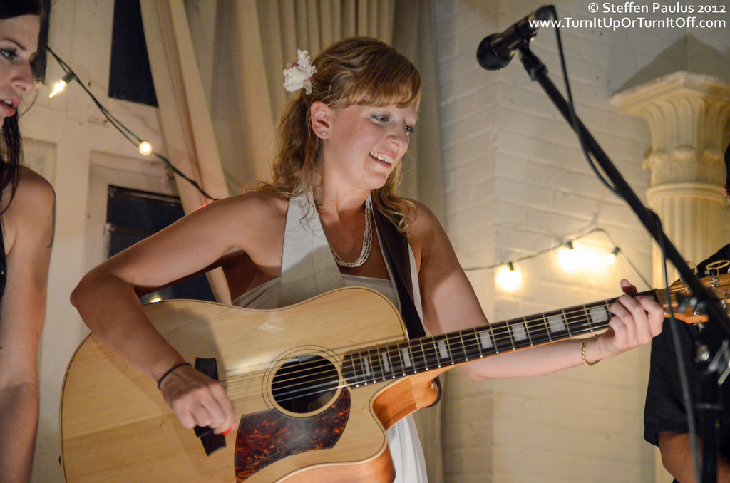 Faye Blais & Sarah Burton @ Underground Art Party @ Loft 404, Toronto, ON, 3-September 2012