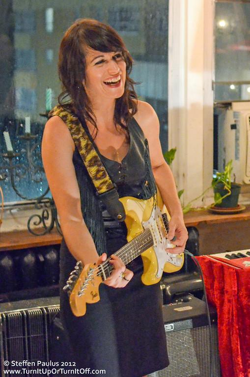 Scarlett Jane, Underground Art Party @ Loft 404, Toronto, ON, 3-September 2012