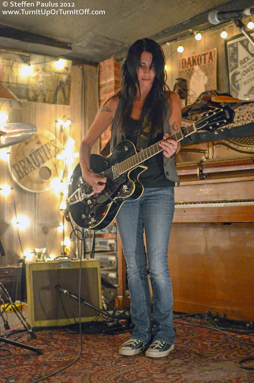 Romi Mayes @ Dakota Tavern, Toronto, ON, 25-Oct 2012