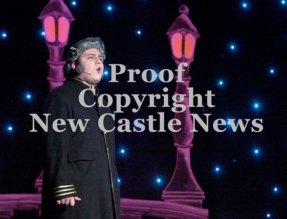 "Erica Galvin/NEWS<br /> Iain McCormick as Javert sings, ""Stars"" during dress rehearsal."