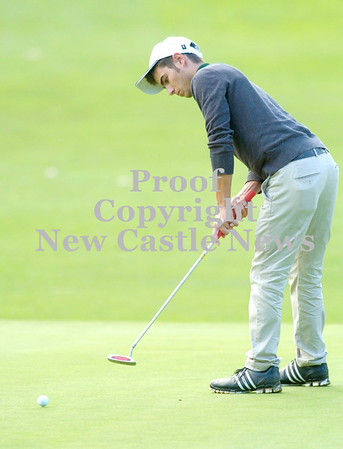 Erica Galvin/NEWS<br /> Laurel's Shane Wilson putts the ball.
