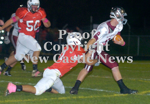 Erica Galvin/NEWS<br /> Mohawk's Vince Menichino tackles Beaver's Austin Ross in the first half.