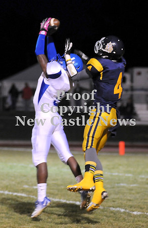 Courtney Caughey-Stambul/NEWS<br /> Union's Ben Young intercepts a pass intended for Shenango's Brenton Booher.