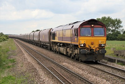 66207 1424/6z10 Redcar-Immingham passes Worlaby Crossing