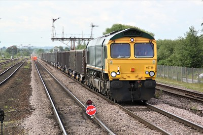 66738 1225/6R45 Maltby-Immingham passess Barnetby Station