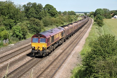 66075 1505/6c77 Immingham-Scunthorpe passes Knabbs Bridge
