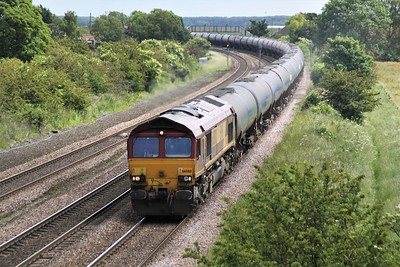 66080 1157/6m00 Humber-Kingsbury passes Knabbs Bridge