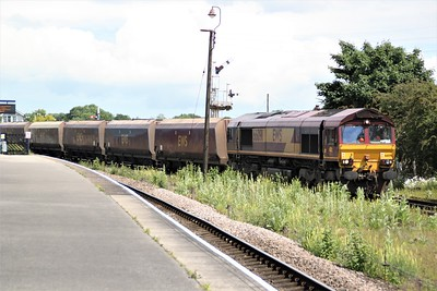 66091 1303/6B59 Immingham-West Burton passes Barnetby Station