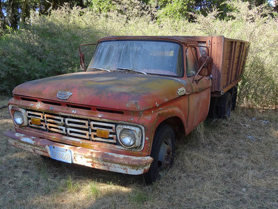 The truck was in use during the summer of 1976 - I drove it to the dump sometimes.