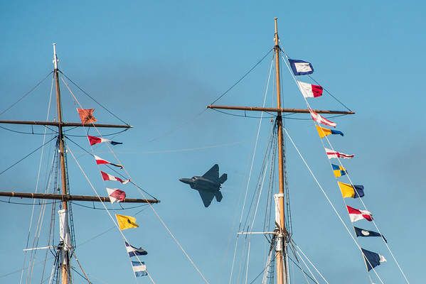 I found the F22 in betwen the masts of a pirate ship!