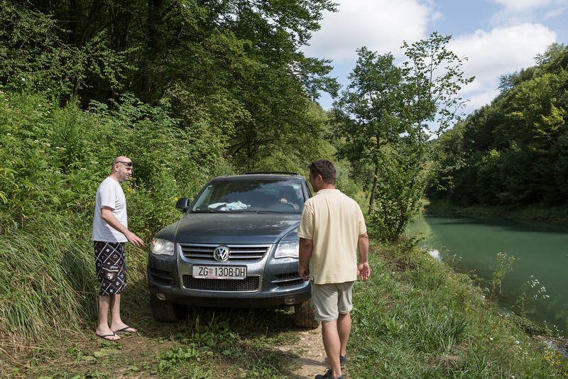 Parking by the River Una to check out the cave at Krusnica.