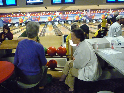 April 28 2012 bowling by Holberg A000100