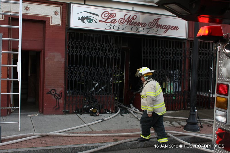 20120116-bridgeport-ct-building-fire-1317-east-main-st-105