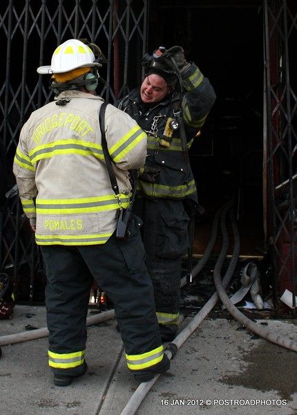 20120116-bridgeport-ct-building-fire-1317-east-main-st-104