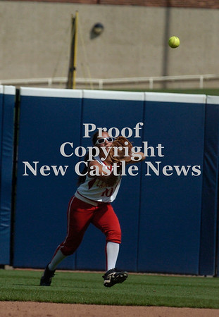 Erica Galvin/NEWS<br /> Katie Burrelli catches a fly ball in the third inning.