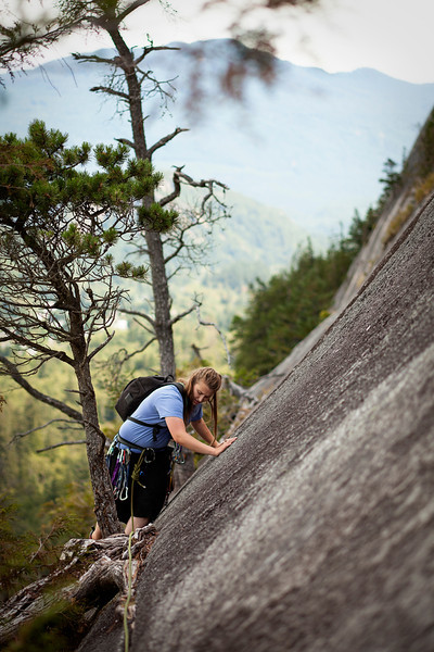 The second pitch of <i>Banana Peel 5.8</i> offers a pleasant slabby traverse for Tracy, low down on the Stawamus Chief.