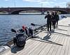 Girls 4V readying boat