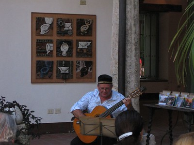 Guitar concert at Ceramics museum - Linda Fan