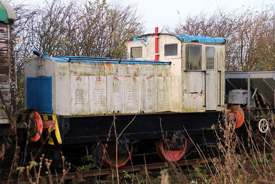 Ruston & Hornsby4wDM 421418/No7 at Lincs Wolds Railway.