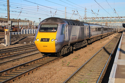 43239 heads south to Kings Cross passing Doncaster Station.