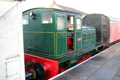 Fowler 0-4-0DM 4210131 at Lincs Wolds Railway.