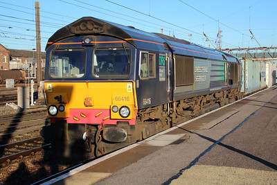 66416 0946/4L87 Leeds-Felixstowe passes Doncaster Station.