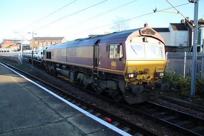 66058 1000/6e33 Warrington-Doncaster passes Doncaster Station.