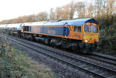 66728 1500/6z59 Peterborough-Immingham late running empty tanks at Ucelby.