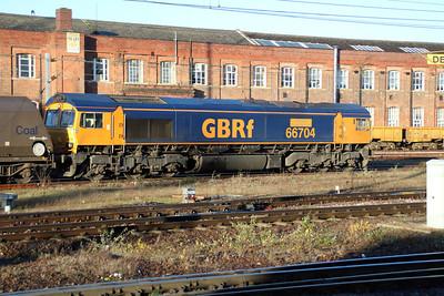 66704 0930/4e95 Didcot-Tyne Dock passes Doncaster Station.