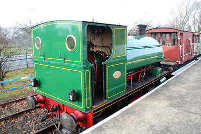 Peckett Steam 0-4-0st 1438 at Scunthorpe awaiting to haul the Brake Vans around the site.