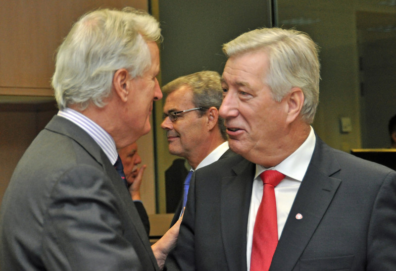 Michael Barnier, EU Commissioner responsible for internal market and services (left), and Signbjørn Johnsen, Minister of Finance of Norway.