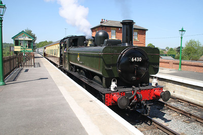 Steamer 6430 Top and Tail with Steamer 4953 'Pitchford Hall' at North Weald station.