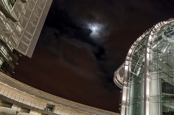 Saturn and Spica visible by the full moon, taken near San Jose City Hall