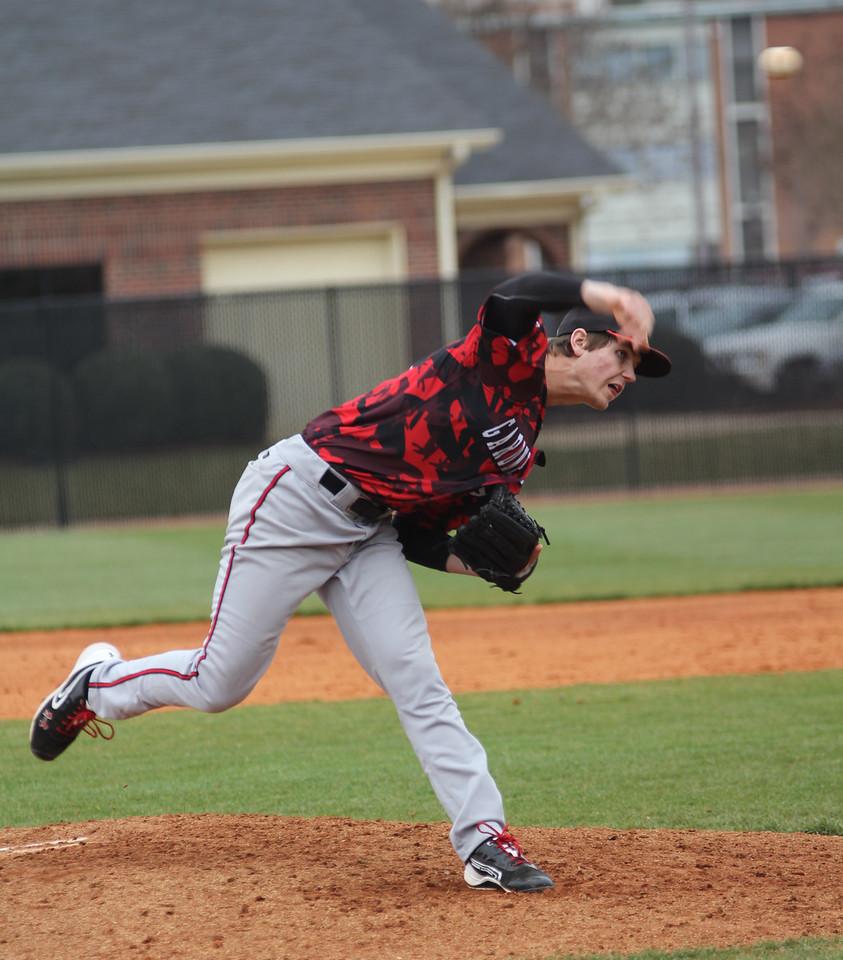 Number 40, Matt Fraudin, pitching the ball.