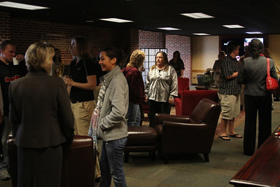 Mingle and Munchies was where transfer students could come a meet with faculty and staff. Students could also enter in a drawing to win a gift card or kindle fire.
