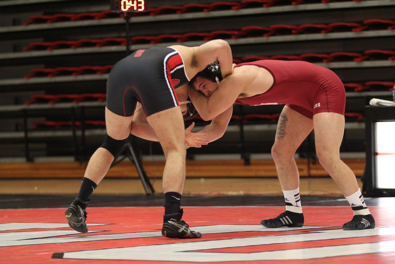 GWU's Jason Porter wrestling.