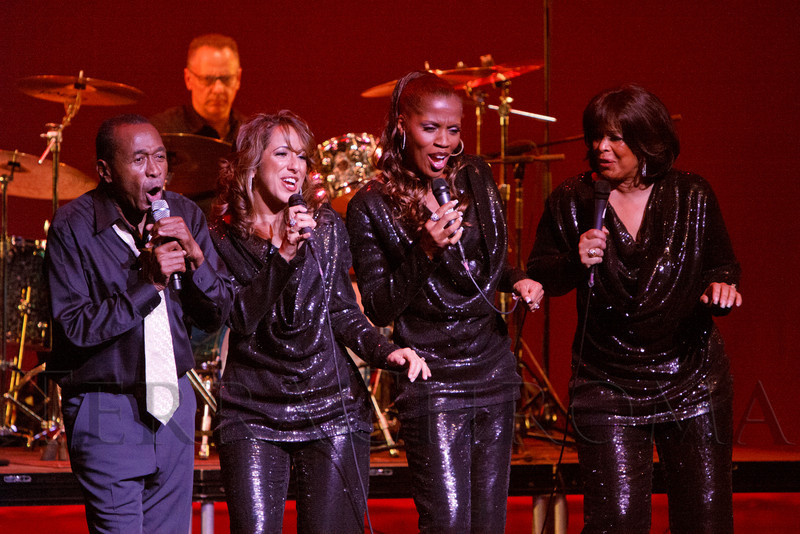 """Ben Vereen (right) sings with the S.T.A.R.S. Trio (Nadine Risha, Natalie Oliver-Atherton, Carolyne Fuqua).  """"Steppin' out with Ben Vereen,"""" a concert benefiting Rocky Mountain PBS, at the Newman Center for the Performing Arts, Gates Concert Hall, in Denver, Colorado, on Friday, Feb. 3, 2012.<br /> Photo Steve Peterson"""