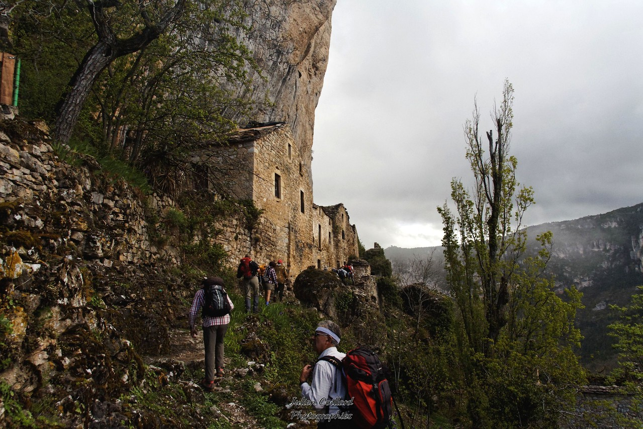 Cirque de St Marcelin - Eglazines - Ruines troglodytes