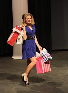 "Breanna Davenport shows off her ""fun fashion"""