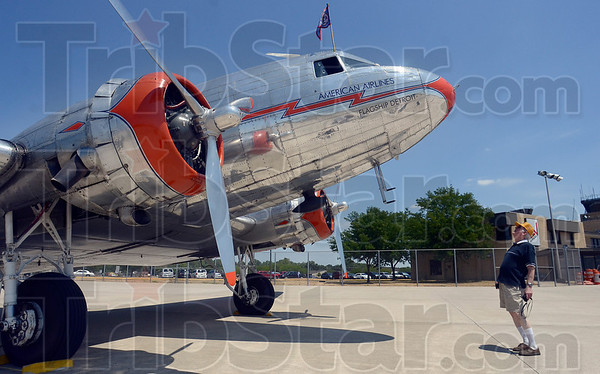 Tribune-Star/Joseph C. Garza<br /> Aviation history: Darrell Gibson takes a closer look of the DC-3, Flagship Detroit, after its arrival Tuesday at the Terre Haute International Airport-Hulman Field.