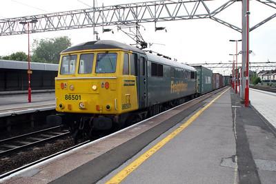 86501 1848/4L96 Trafford Park-Felixstowe passes Stafford.