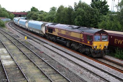 66027 1257/6E56 Tunstead-Milford passes Knottingley 19/06/12