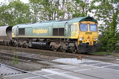 66610 1920/6z30 Hatfield Mine-Drax passes Hillam Gates crossing 19/06/12