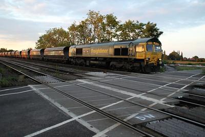 66526 2115/6e87 Ravenstruther-Drax passes Hillam Gates crossing 19/06/12