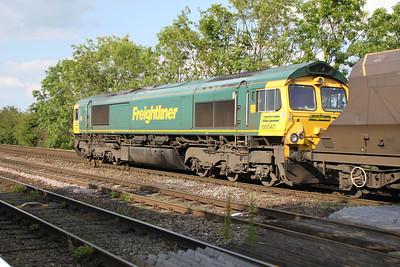 66547 1752/4G14 Drax-York Holgate passes Hillam Gates crossing 19/06/12