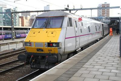 82215 Having arrived from Kings Cross.