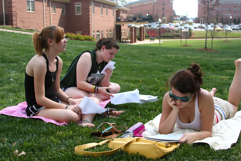GW students enjoy the first day of spring, Tuesday March 20th.