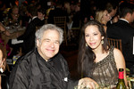 Violinist Itzhak Perlman and Angela Chen_photo by Julie Skarratt