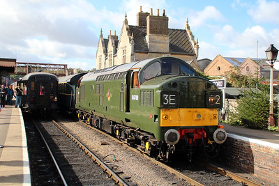 D6700/37350 awaits departure from Wansford.