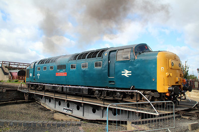 55002 'Kings Own Yorkshire Light Infantry' starts up with clagg! on Wansford turntable.